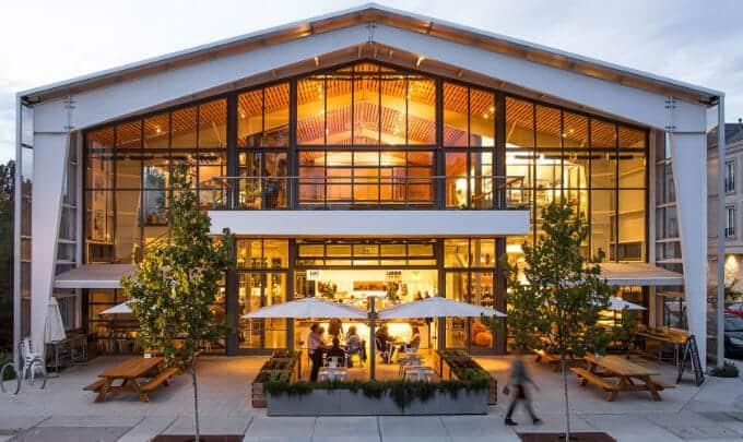 Công trình nhà thép tiền chế Healdsburg SHED với công năng sinh hoạt cộng đồng và nhà hàng, khu thương mại.