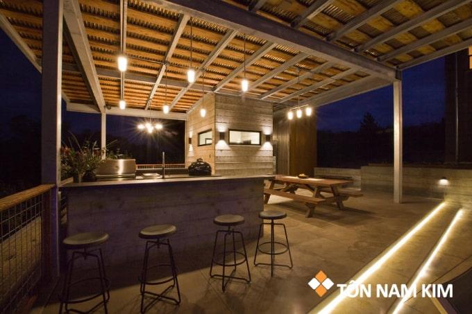 Mẫu mái tôn đẹp cho sân thượng với quầy bar